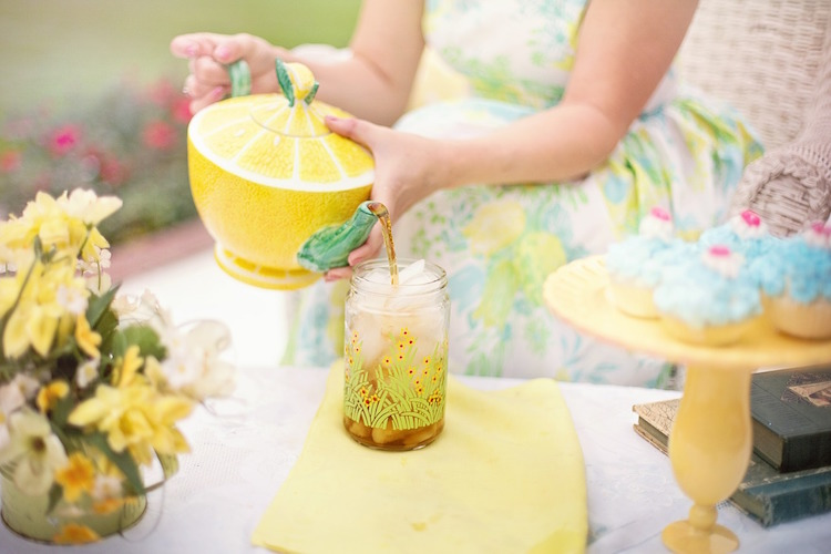 18 Amazing Ideas For Throwing The Best Garden Party Ever