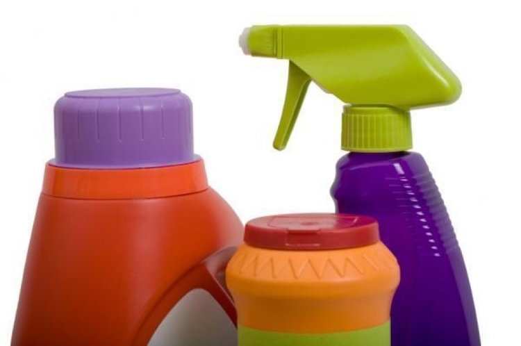 11 Toxic Chemicals in Laundry Detergent to Avoid & How to Make Your Own