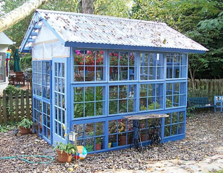 21 cheap easy diy greenhouse designs you can build yourself scrap window greenhouse solutioingenieria Image collections