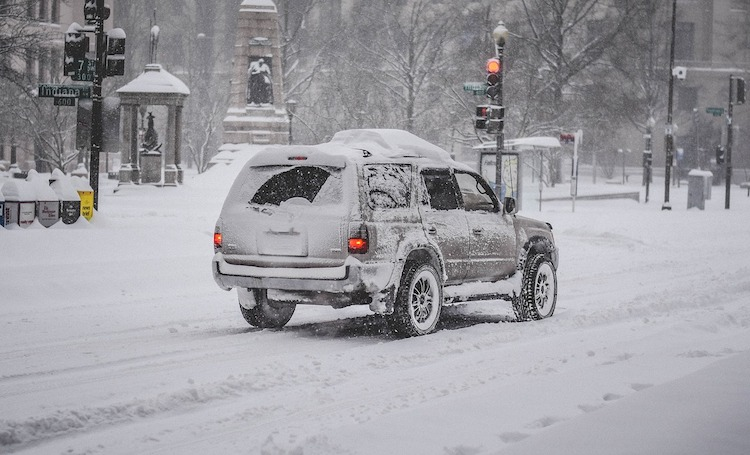 <thrive_headline click tho-post-2817 tho-test-185>10 Ways to Stay Safe This Winter During a Blizzard</thrive_headline>