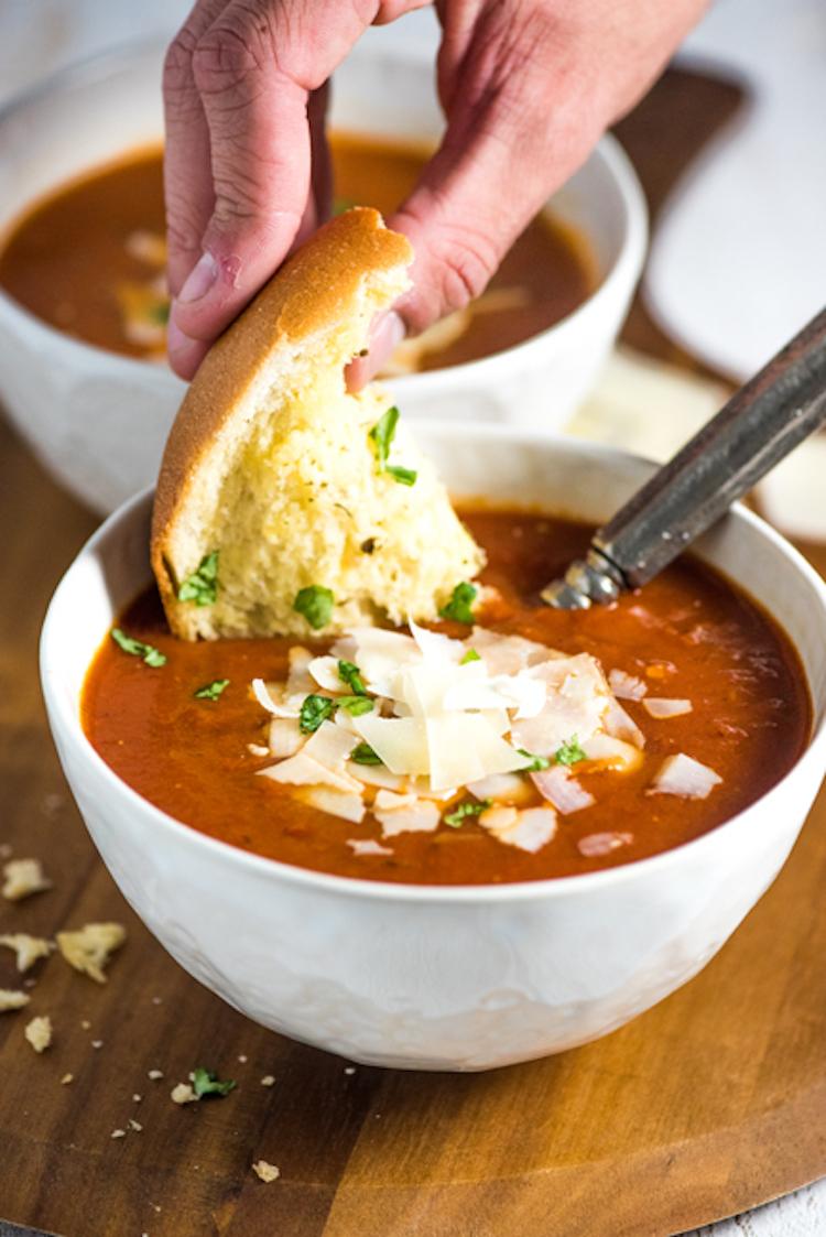 30-Minute Classic Tomato Soup Recipe