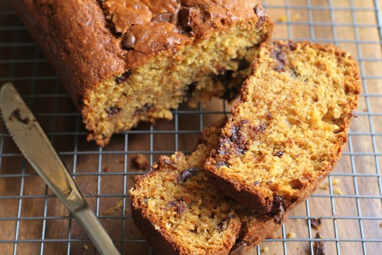 Chocolate Chunk Orange Bread - a delicious quick bread with a subtle orange flavor and big chunks of chocolate. | Ideahacks.com