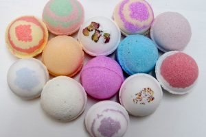 15 Ways to Make Your Own Homemade Bath Bombs