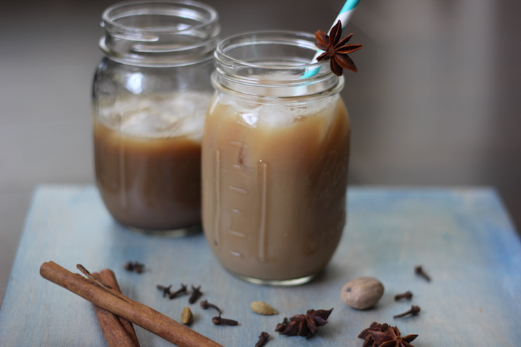 Iced Dirty Chai - warming spices made me feel all nice and happy, and the extra shot of caffeine from the espresso will wake you up. | Ideahacks.com