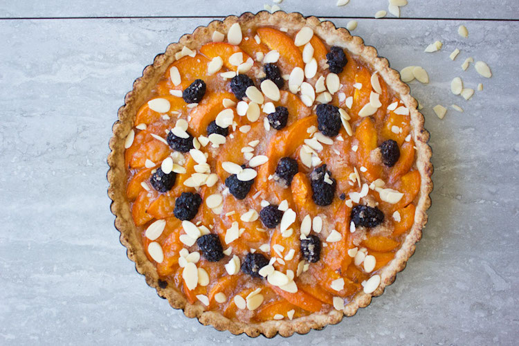 Blackberry Sweet Apricot Tart. Easy, light, utterly luscious tart with pure fruit only--no creams or eggs. This tart is the best way to enjoy apricots! Ideahacks.com