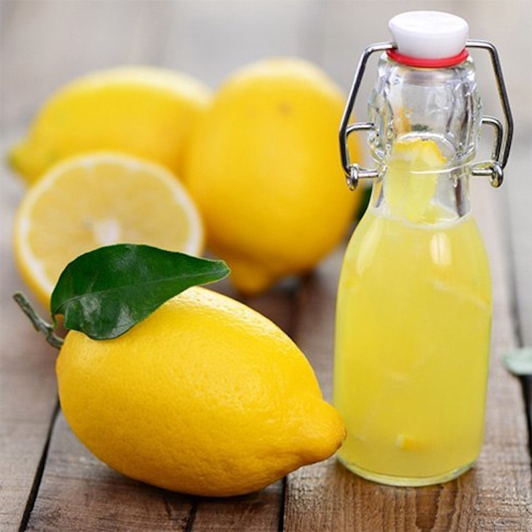 Lemon Juice for Hair Dying