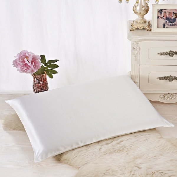 Alaska Bear Natural Silk Pillowcases