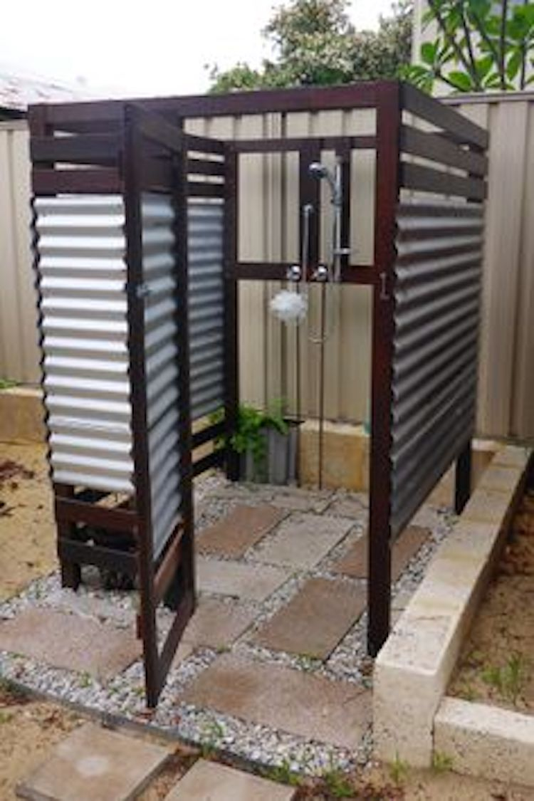 Open-slate Outdoor Shower
