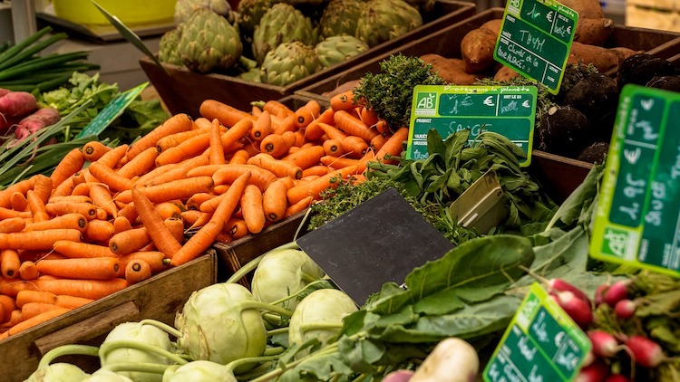 11 Ways to Buy Natural Organic Food on a Budget
