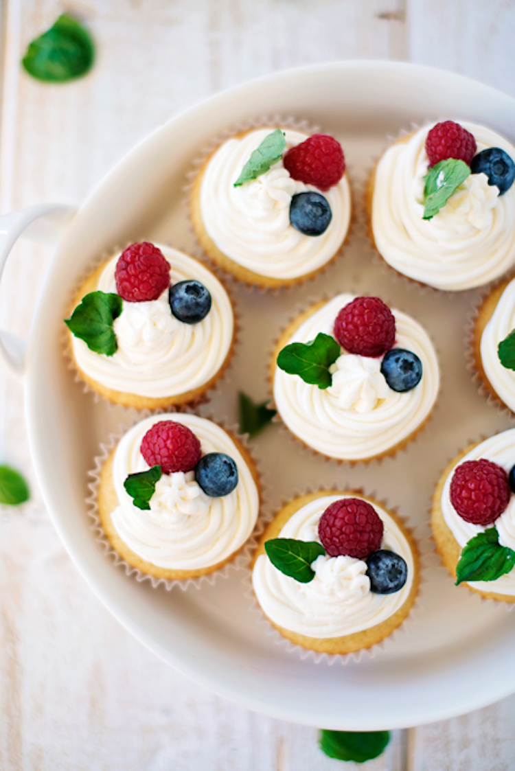 Vanilla Cupcakes with Hazelnut Frosting