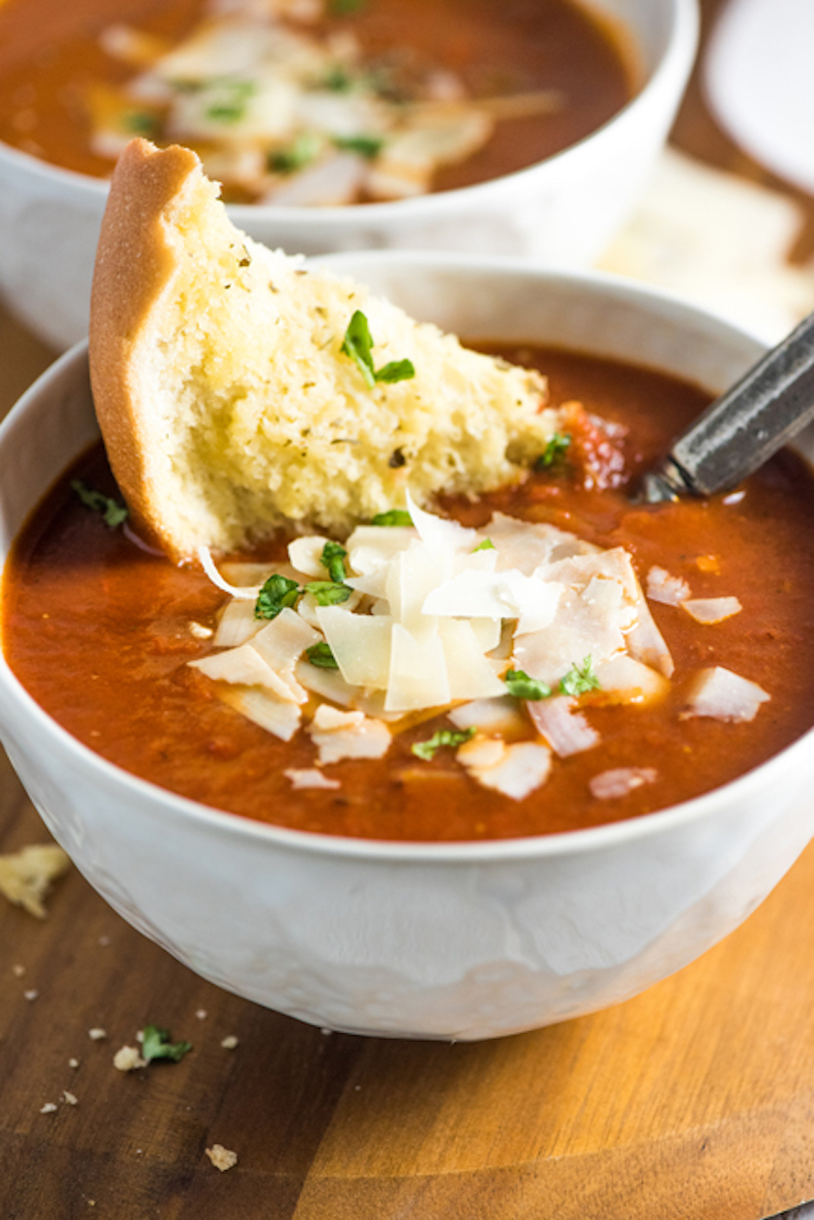 A hearty bowl of classic tomato soup that you can make in under 30 minutes. Ideahacks.com