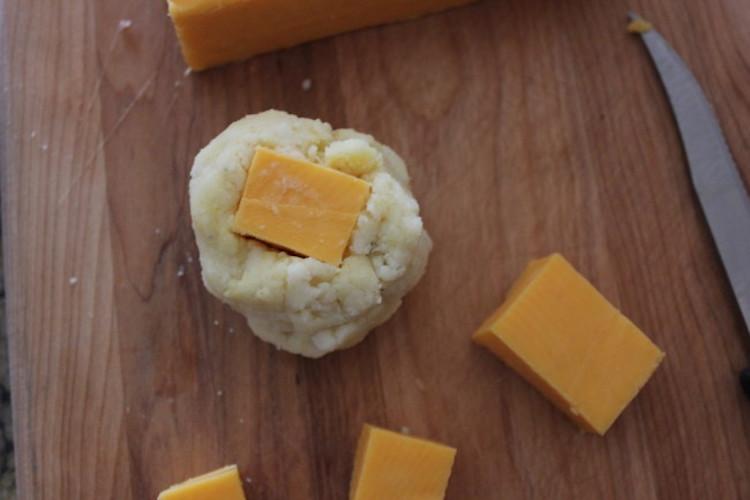 Mashed Potatoes and Cheddar Chunk