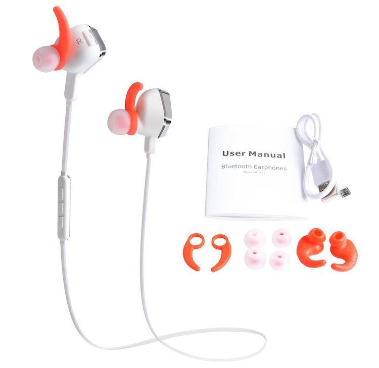 ZANYA Sports Headphones And FM Radio Player