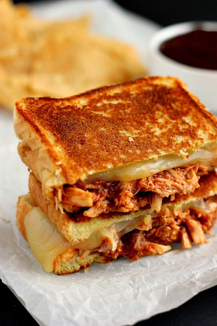 Filled with tender chicken, tangy barbecue sauce, and Swiss cheese, this Barbecue Chicken Grilled Cheese is the ultimate sandwich. | Ideahacks.com