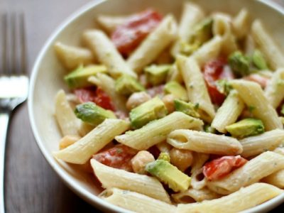 Chickpea Avocado Pasta Salad - This healthy pasta salad recipe is packed with protein and good fats, thanks to chickpeas and fresh avocado | Ideahacks.com