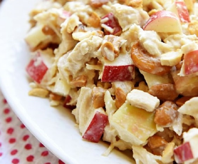 chicken salad with apples and cashews