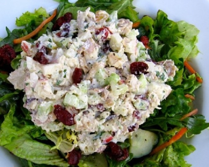 salad with apples and cranberries