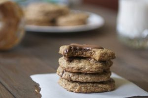Soft n' Chewy Peanut Butter Cookies - This cookie recipe is packed with a dangerous combination of peanut butter and cocoa almond butter. | Ideahacks.com