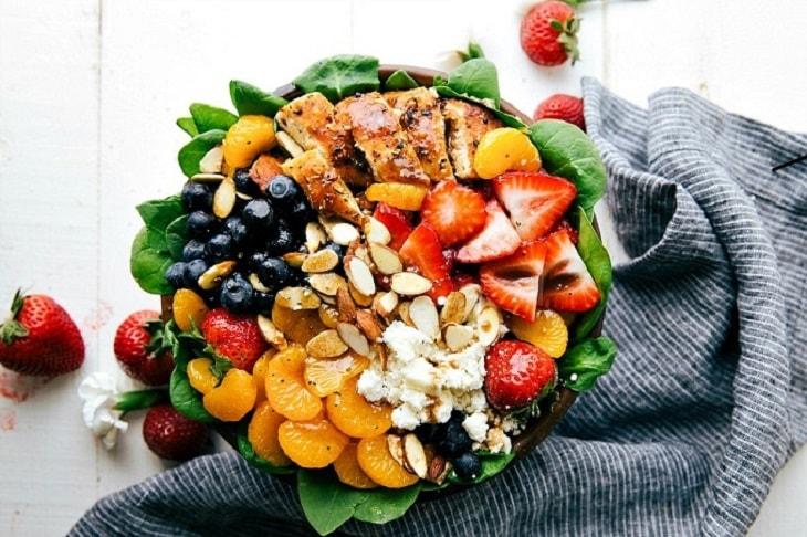 almond berry chicken spinach salad
