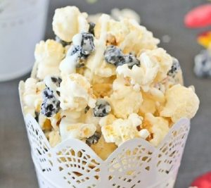 Blueberries and Cream Popcorn