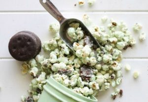 White Chocolate Thin Mint Popcorn