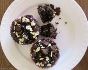 Healthy Chocolate Oatmeal Muffins
