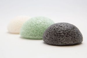 10 Reasons You Need to Start Using A Konjac Sponge On Your Face & Skin