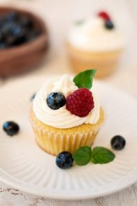 Vanilla Cupcakes With Hazelnut Frosting
