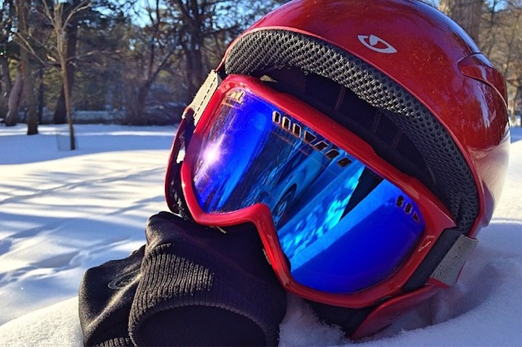 Top 10 Best Ski Goggles Reviewed in 2019