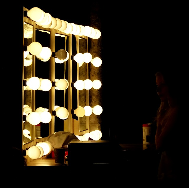 lights in vanity mirror for makeup
