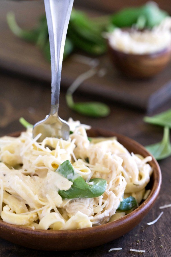 Crockpot Creamy Chicken Pasta